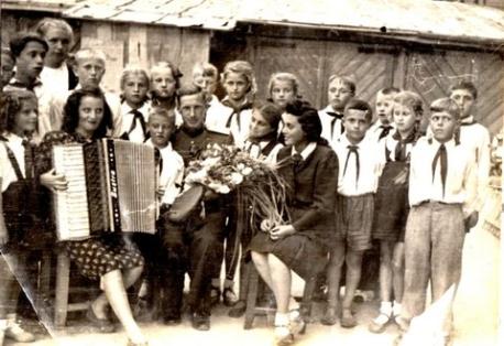 video-zhena-predlozhila-svoyu-popu-dlya-zapolneniya-trah-foto