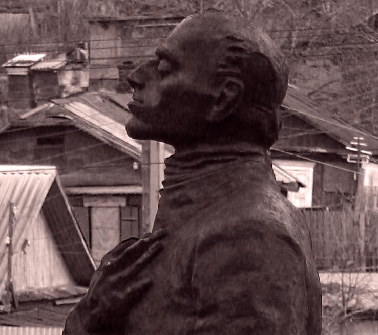 Памятники владивосток фото лагеря изготовление памятников белгород ростов на дону